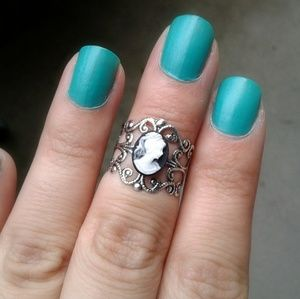 Victorian Lady Cameo Ring Silver Filigree Ring
